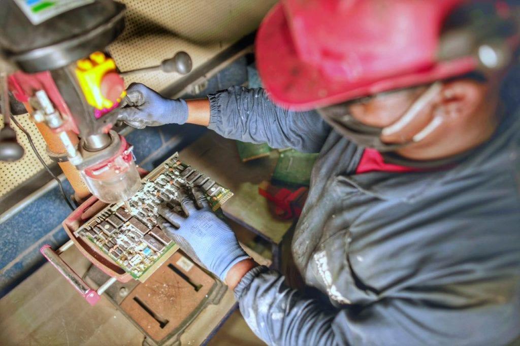 Eletroeletrônicos – Manufatura Reversa